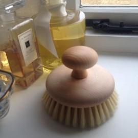 Brosse de massage avec pommeau